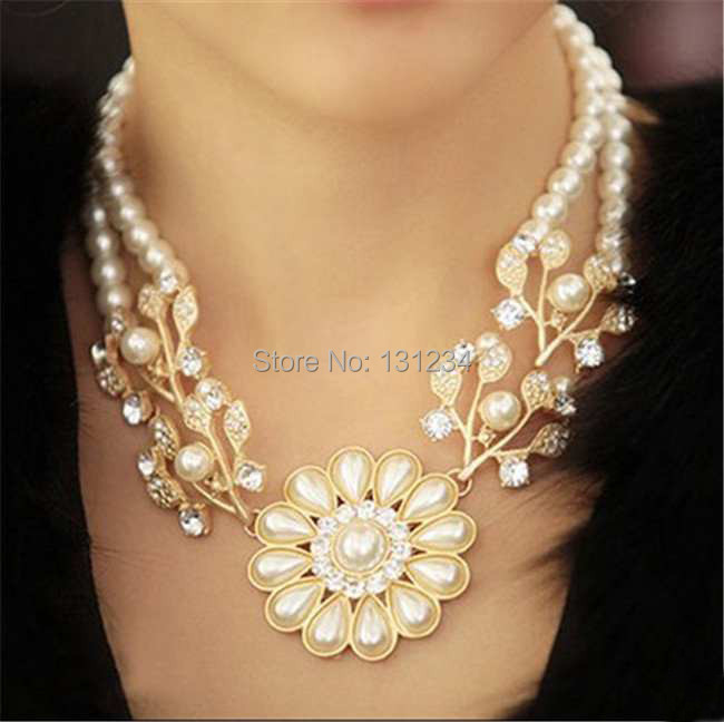 wholesale luxury Simulated pearl chain rhinestone crystal flower choker necklace bead work jewelry for women