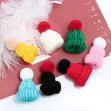 Красочная мини-вязаная брошь «шляпа», милые шерстяные броши, булавки для женщин, свитер, воротник, значок, Женские аксессуары, ювелирные изделия, рождественские подарки