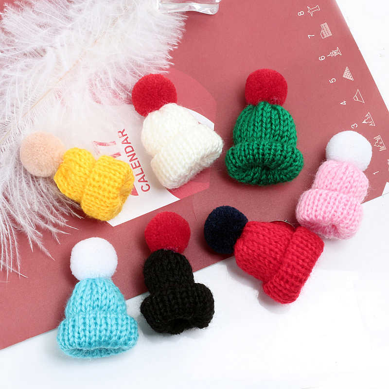 Colorful Mini Knitted Hat Brooch Cute Wool Brooches Pins Women Sweater Collar Badge Female Accessories Jewelry Christmas Gifts