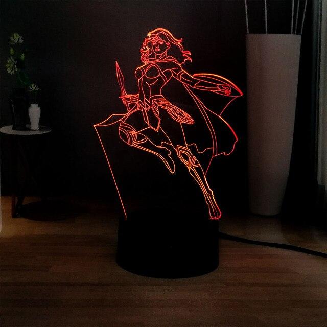 Nova Série Maravilha Figura USB 7 3D Acrílico mulher Maravilha de Mudança de Cor LEVOU Decoração da lâmpada de Mesa Luz de Humor para Crianças Presente de Aniversário brinquedos