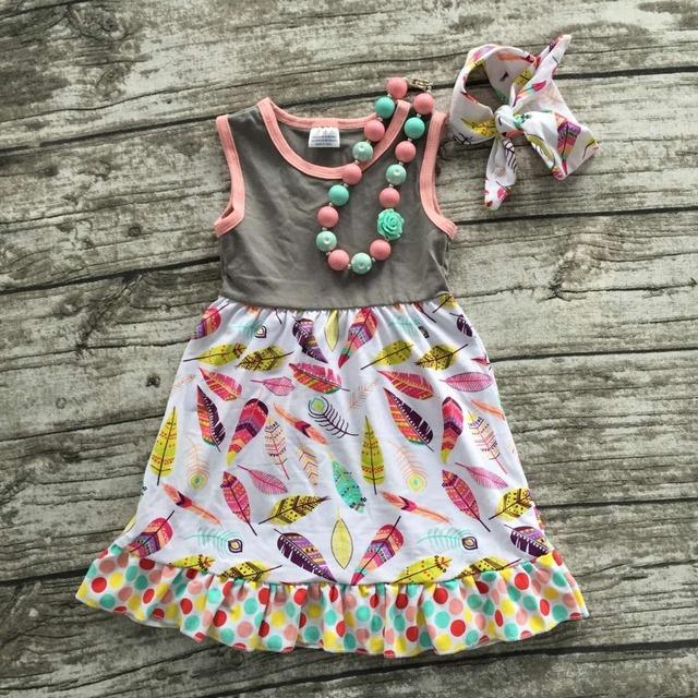 2016 envío libre nueva ropa de los bebés 2-7 años de edad de la pluma sin mangas vestido con el collar a juego y diadema