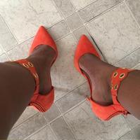 Vrouwen Oranje Witte Kleur Snijdt Enkel Puntschoen Metalen cirkel Decoratie Dunne Hakken Rits Terug Jurk Party Pumps Schoenen Lady