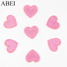 20pcs/lot Embroidered Pink Heart-shaped Patches Iron On Small Love Heart Stickers DIY Fabric Appliques for Baby Girls Clothes