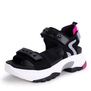 Image 2 - Сандалии женские из микрофибры, мягкие босоножки, Нескользящие, дышащие, толстая подошва, Повседневная модная спортивная обувь, лето