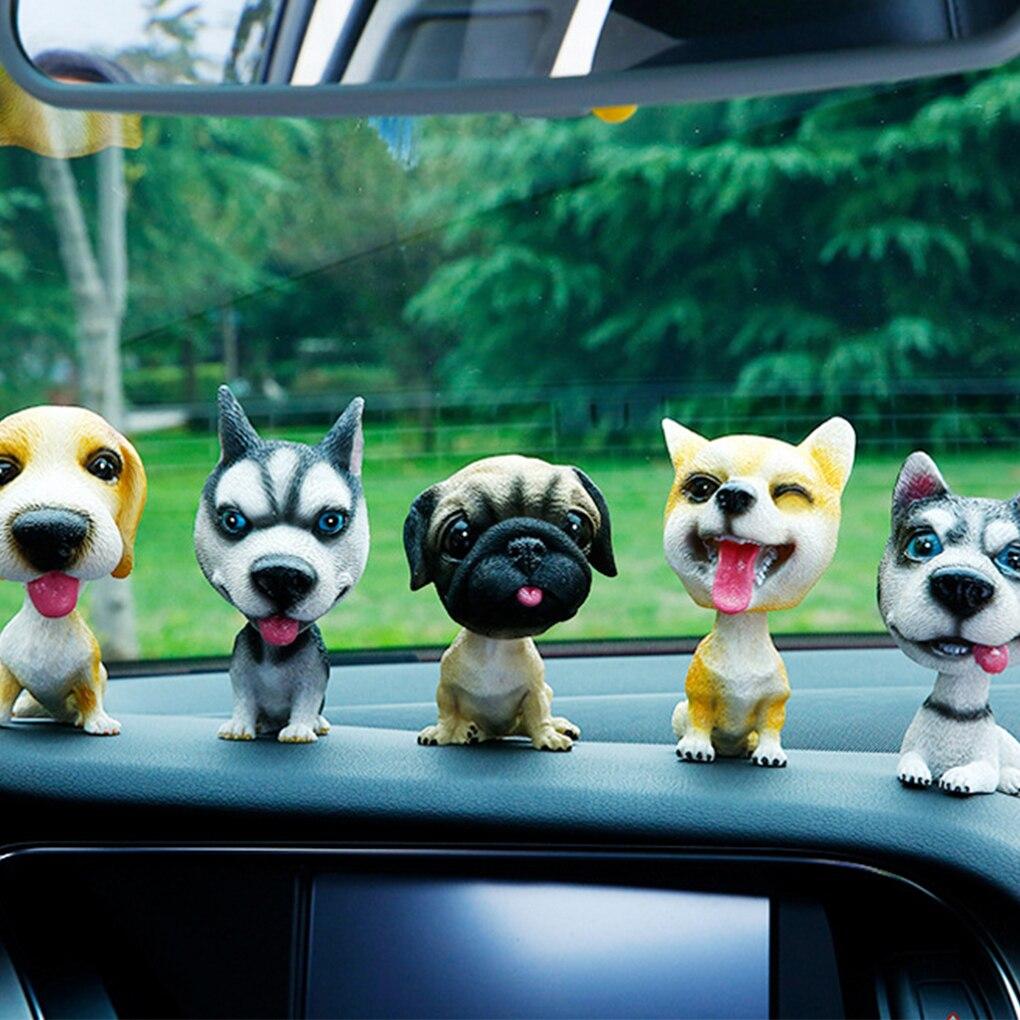 Автомобиль орнамент встряхивания собака украшения кивая смолы щенок пожимая качает головой собаки автомобиль собака украшения
