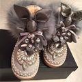 Moda Botas de Nieve Rhinestone Gris de Piel de Zorro de Las Mujeres Botas de Invierno felpa Media Pantorrilla Botas Conejo Encantador Zapatos de Tacón Cuadrados Mujeres pisos