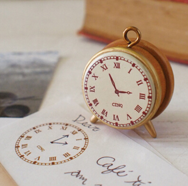 1Pcs/set Cute Vintage Style Clock Shape Mini Wooden DIY Stamp Set Student Prize Promotional Gift