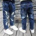 2017 primavera e no outono de moda clássico jeans de algodão das crianças 2-7 anos de idade menino desgastados buraco quebrado elástica calças selvagens