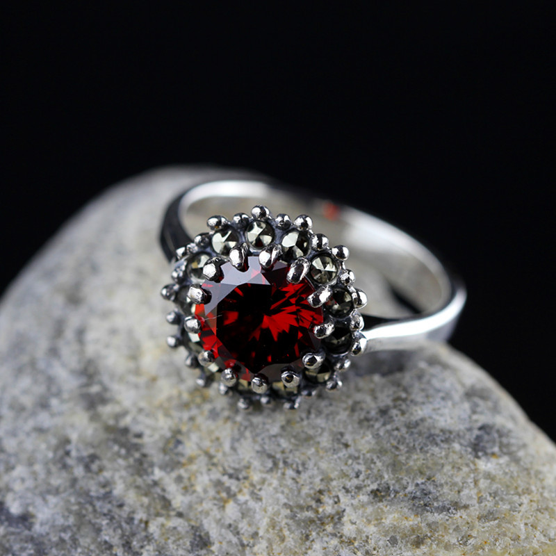 r S925 silver jewelry wholesale handmade silver personality multi claw female models retro Garnet Ring