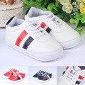 Moda primeros caminante del muchacho suave suela con cordones zapatos de cuero infantil del bebé recién nacido niños zapatillas deportivas 0-18 meses de primavera verano