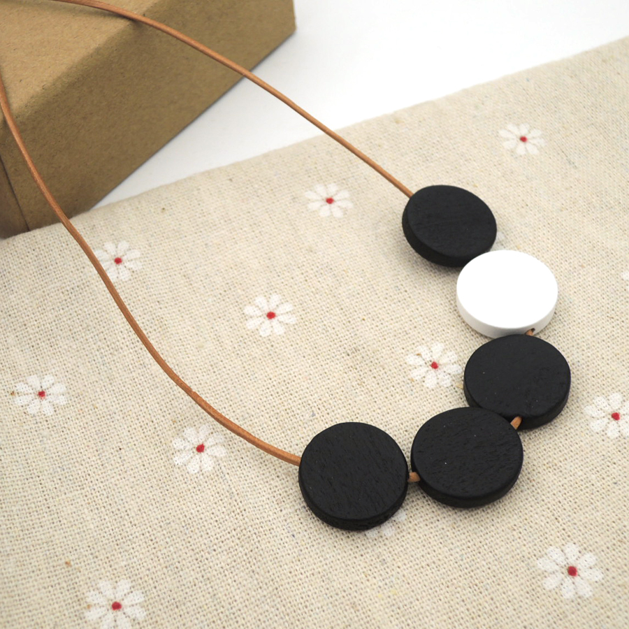 white black disk geometric wood necklace pandant minimalist statement CHEAP LIGHT WEIGHT 2018 new NW295