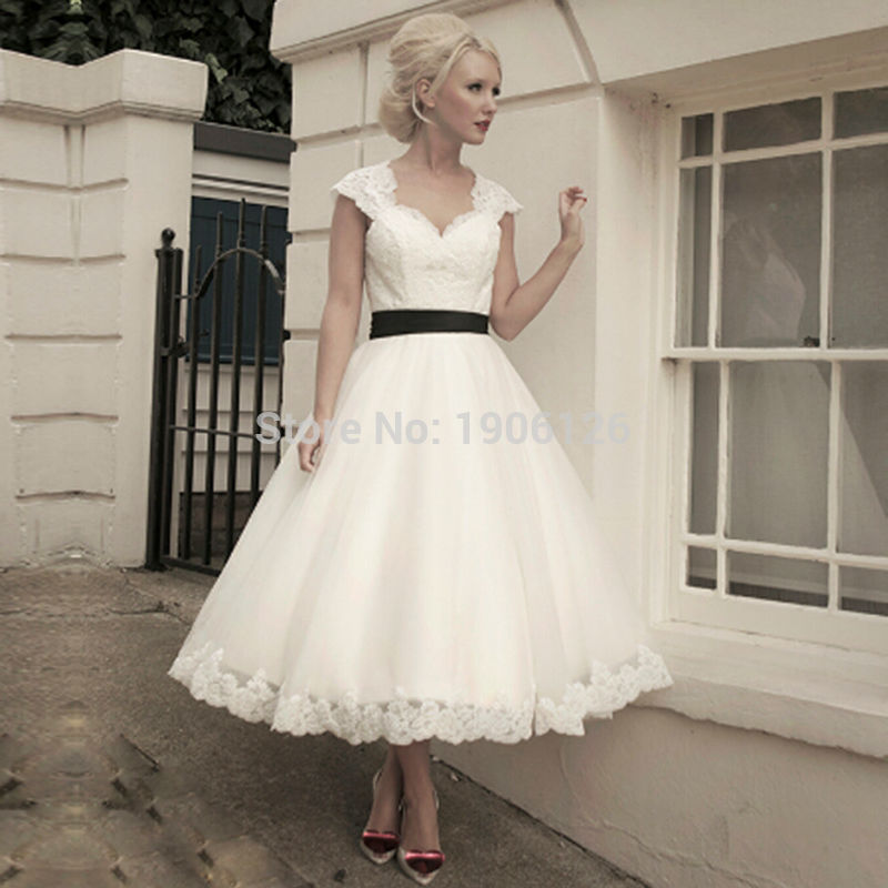 Hochzeitskleid Lace Short Wedding Dress With Black Sash Backless ...