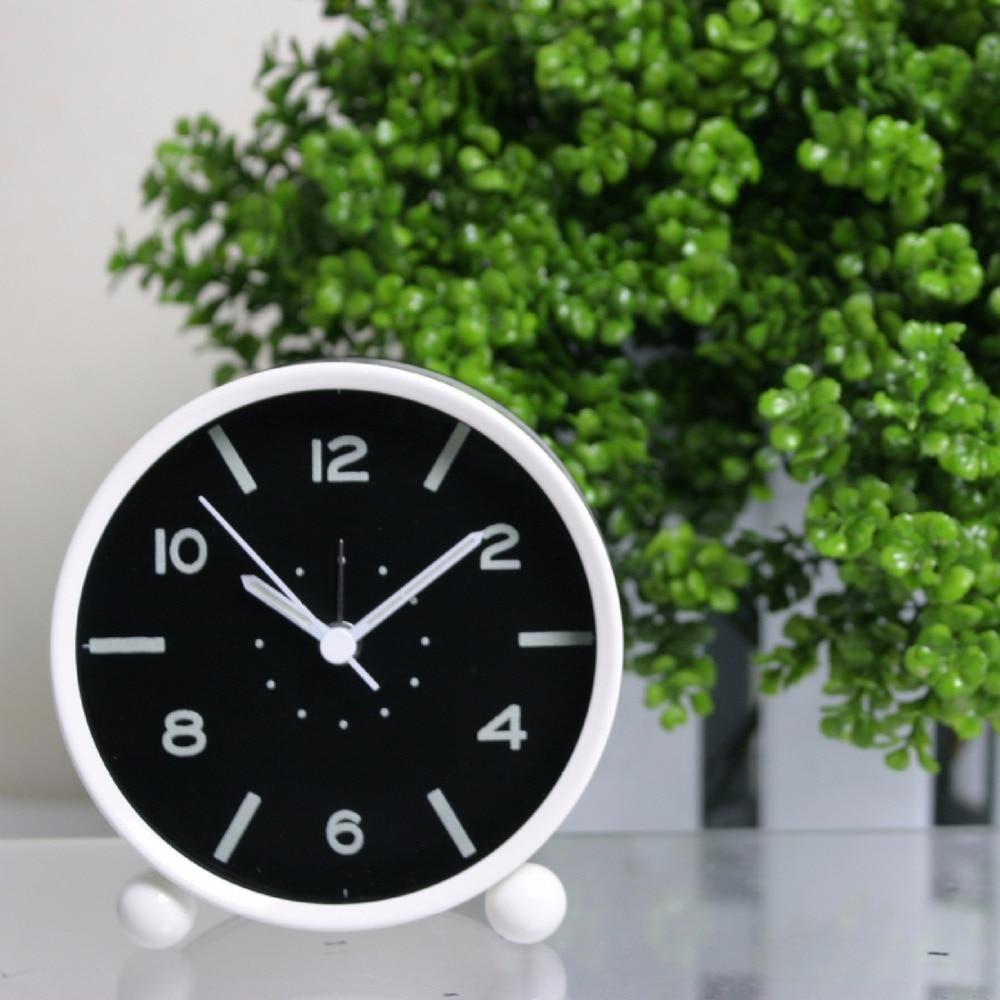 New Meijswxj Alarm Clock Saat Reloj Desk Clock Relogio Reloj despertador Bracket Metal plastic Mute Luminous little alarm clocks