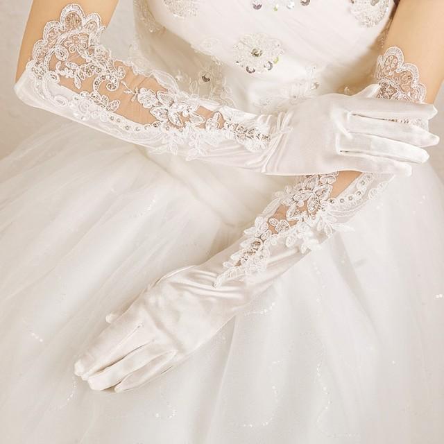 Longo de Renda Branca Comprimento Da Ópera Luvas de Casamento de 2017 Sping Inverno Barato Apliques de Noivas Luvas de Dedo Para Acessórios Do Casamento