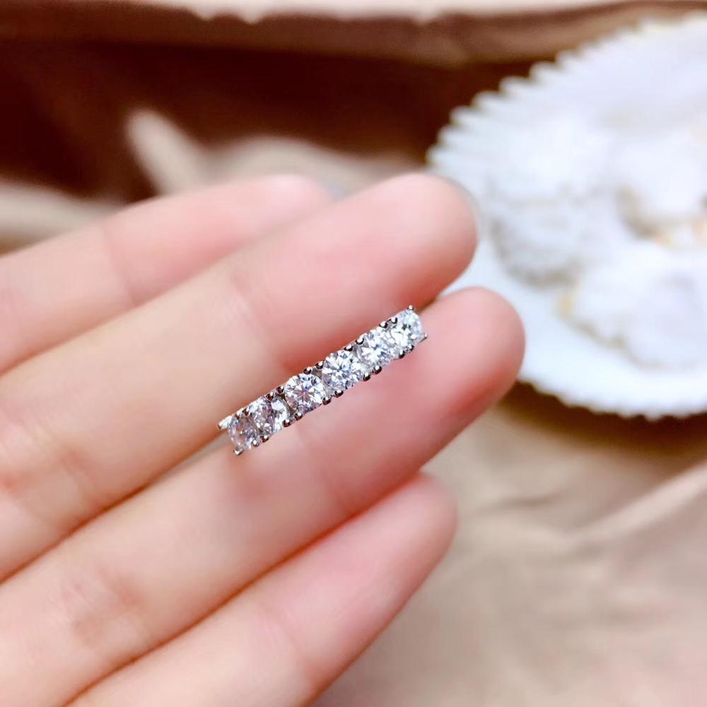 Moissanite gemstone  ring with glorious light dedicate ringMoissanite gemstone  ring with glorious light dedicate ring