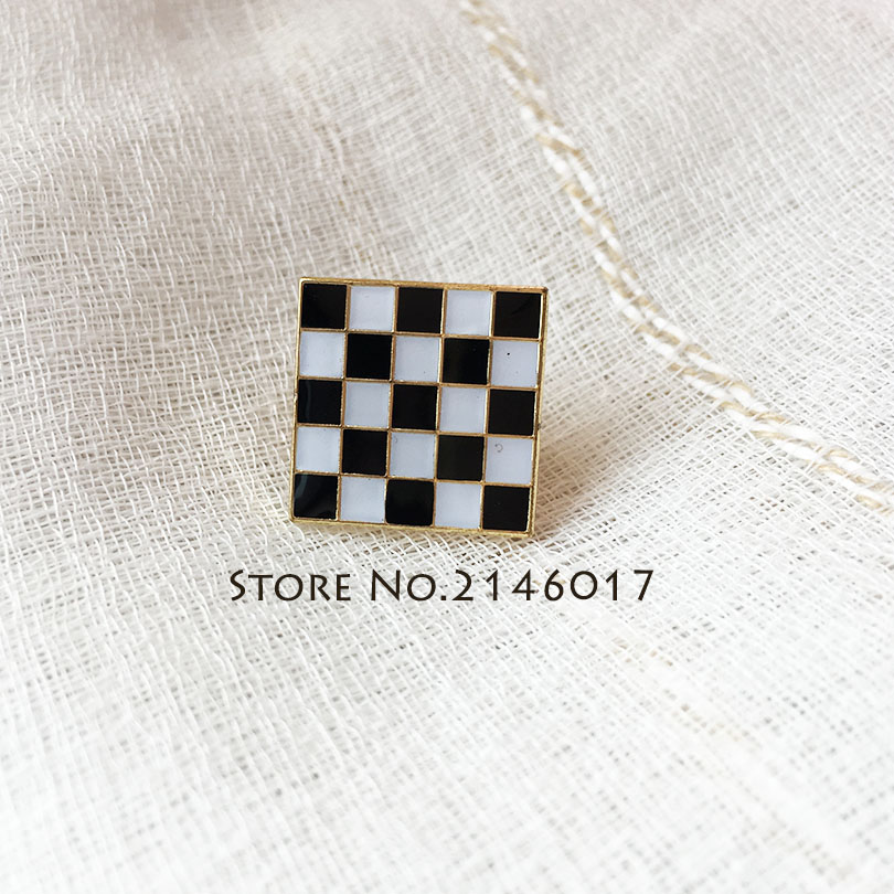 100pcs Custom Lapel Pin Masonic Freemason Mosaic Pavement Pins Badge Masons Black White Checkered Rug Floor