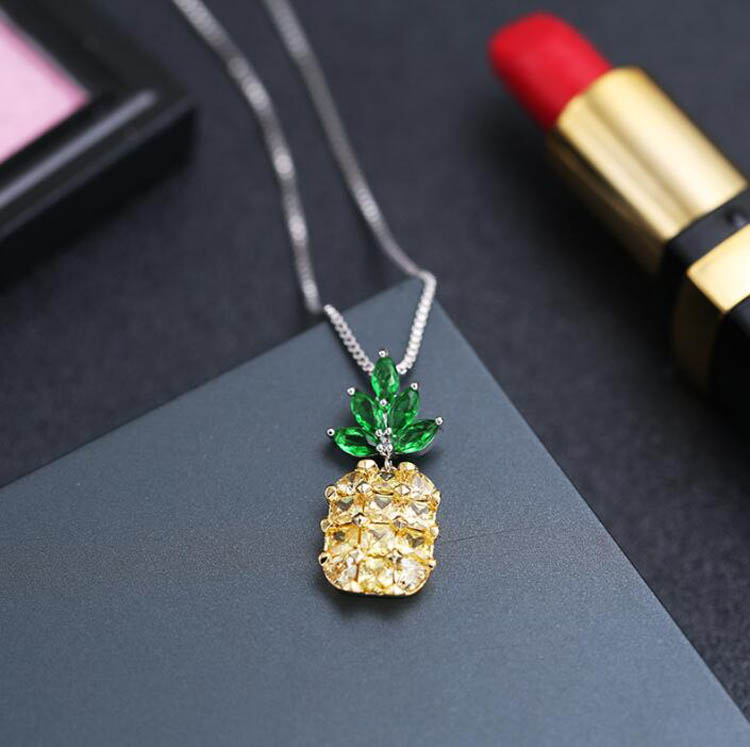 Pineapple Necklace Pendant Wholesale Summer Tropical Island Series Temperament Sweet Pendant Chainbone Chain Necklace for W