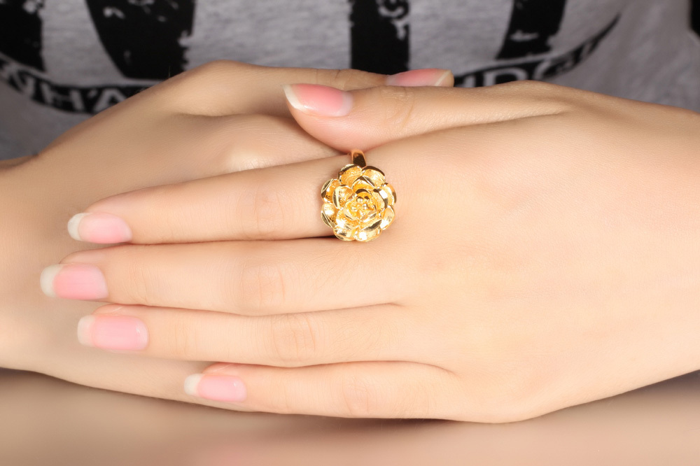 Luxury Fashioin Gold Plated Cute Ring Big Flower Design Finger