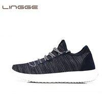 7d4d1f412 LINGGE поступление сезон: весна–лето тапки удобные Повседневное Обувь с  дышащей сеткой обувь для Для мужчин на шнуровке Брендова..