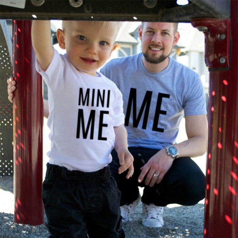Семейные комплекты Футболка Me» и «Mini Me» хлопковый топ высокое качество трикотажная ф ...
