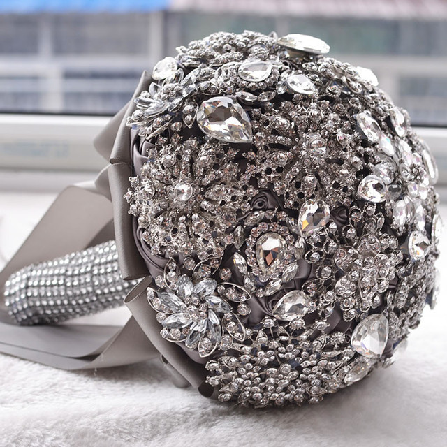 Hot Luxurious wedding accessories Brooch bouquet Ivory Gray Crystal Wedding Bouquet Silk Wedding flowers Bridal Bouquets