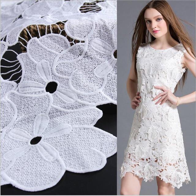 173f400a0 € 46.32 |Blanc Fleur Tulle Brodé De Dentelle Tissu Pour la Robe De Mariage  Pas Cher Tissus Conception Vêtements De Mode Français Tissu Pour ...