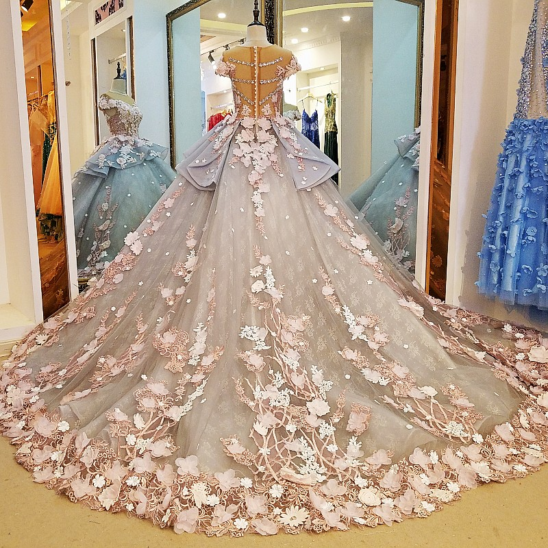 Haute Couture 3D Floral Exquisite Wedding Dresses Short Sleeve Ball Gown Spring Garden Bridal Party Dress 2017 Custom Made couture gown flowers