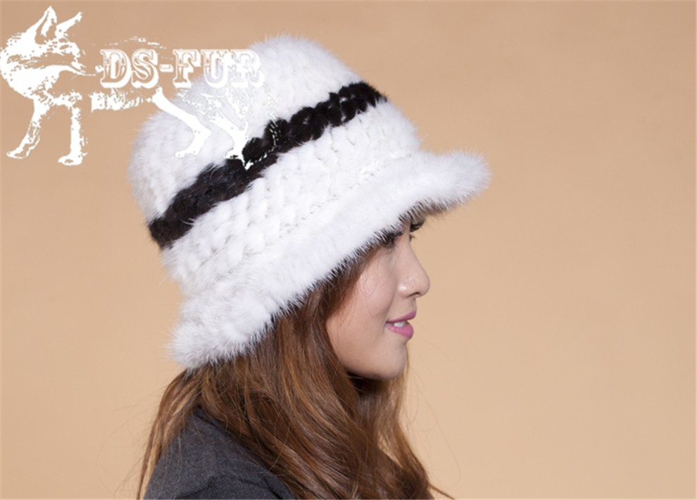 Mink knitted hats black and white stripes05