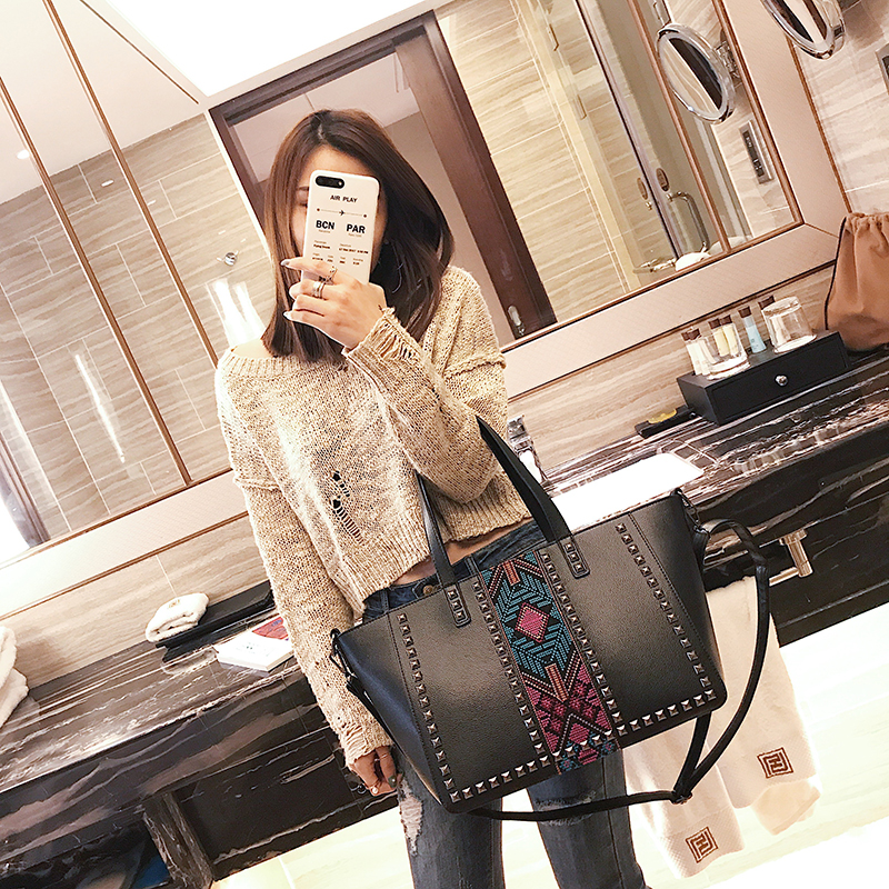 2018 luxury handbag women bag Embroidery women handbags lady