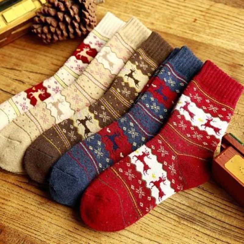 2017 New Christmas Warm Winter Womens Tree Deer Design Casual Knit Wool Short Socks