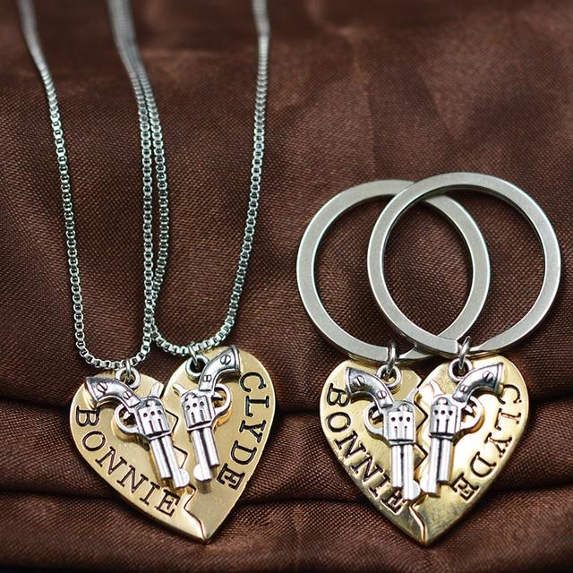 2pcs BONNIE CLYDE Pendant Necklaces keychain Guns Heart Friendship Adventure Fre