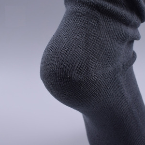 Image 3 - Veridical 5 Pairs/Lot 2010 Hot Sale Five Fingers Socks Long Combed Cotton Good Quality Compression Sock 5 Finger Socks Calcetine