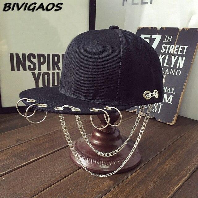 Harajuku moda SWAG remache cadenas gorras de béisbol Hip Hop sombrero aro  del hierro del casquillo 8270e495a66