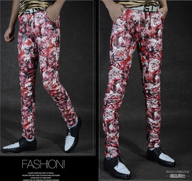 2016 de La Moda Masculina de LA PU Pantalones De Cuero Delgado Flor Imprimir Flaco Fold Personalizada Constrictor Leopardo Pantalones de Impresión de Los Hombres Traje