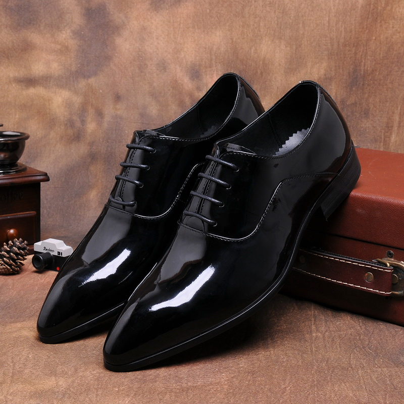 Fashion patent leather black derby shoes mens business shoes genuine leather mens dress shoes pointed toe mens wedding shoes top quality crocodile grain black oxfords mens dress shoes genuine leather business shoes mens formal wedding shoes