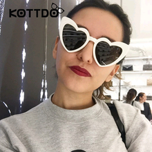 Фотография Cute Heart Sunglasses Women Black Red Frame Heart Cat Eye Women Sunglasses Luxury Shade Brand Fashion Eyewear Female Oversize