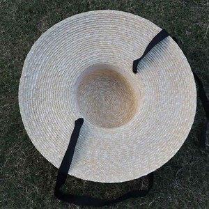 Image 4 - Venta al por mayor sombrero de paja de ala ancha mujeres gorro de playa de verano con lazo negro señoras nueva moda platillo sombrero de sol sombreros Kentucky Derby