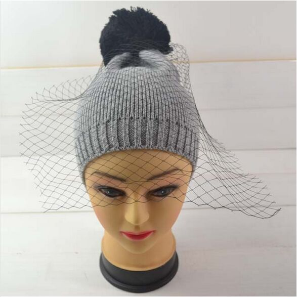 2016 European Style Fashion Cap Show Mesh & Lace Knitted Cap Supermodel Street Snap Hat for Women Solid Veil Beanies