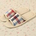5 Cores Venda Quente Amante Mulheres & Homens Sapatos Casa de Verão de Linho Xadrez Sandália Interior Não-slip de Ventilação Casal Chinelos chão Panas