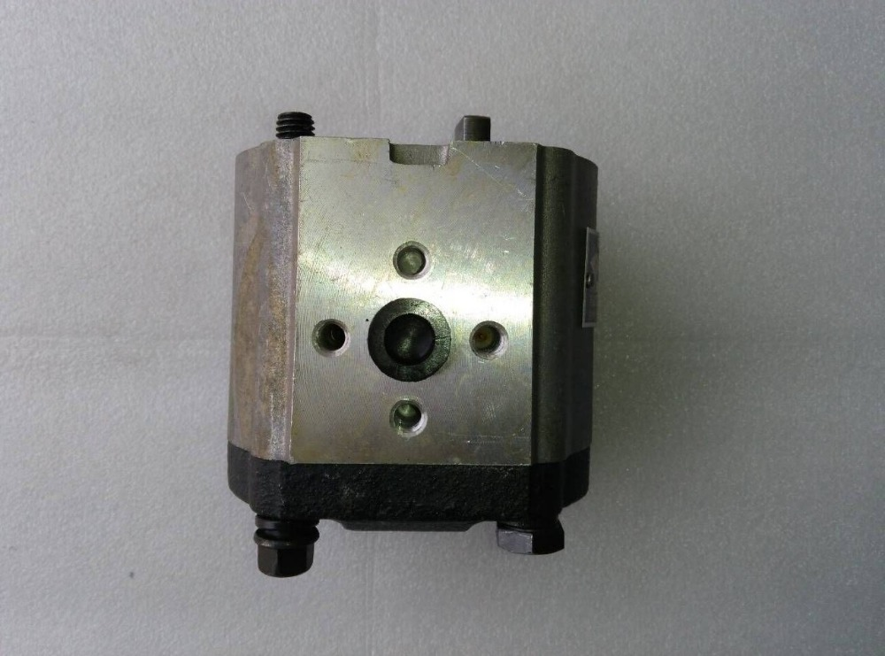Gear pump CBN-E314L (left rotary, with no flange, with end oil outlet, flat connection) of Dongfeng tractor hydraulic oil pump cbn e312 cfpr gear
