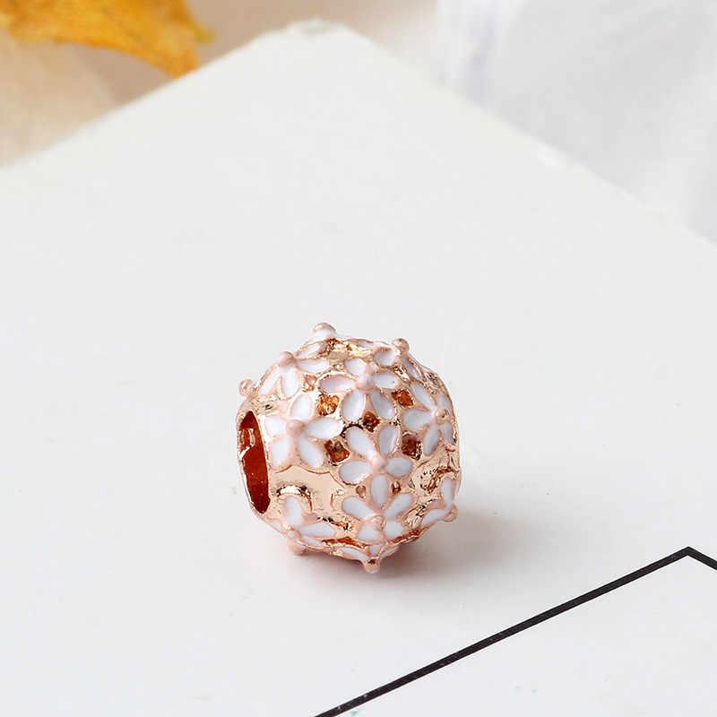 2019 moda posrebrzane Charm elegancki biały Daisy koralik kwiat klastra koraliki Fit oryginalny Pandora bransoletka kobiety Diy biżuteria