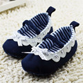 2015 Nueva Lindo Dulce Azul Marino Bebé Recién Nacido Zapatos Del Bowknot de Encaje Fruncido Suave Suela antideslizante Calzado Sapatos Infantil 0-18 M