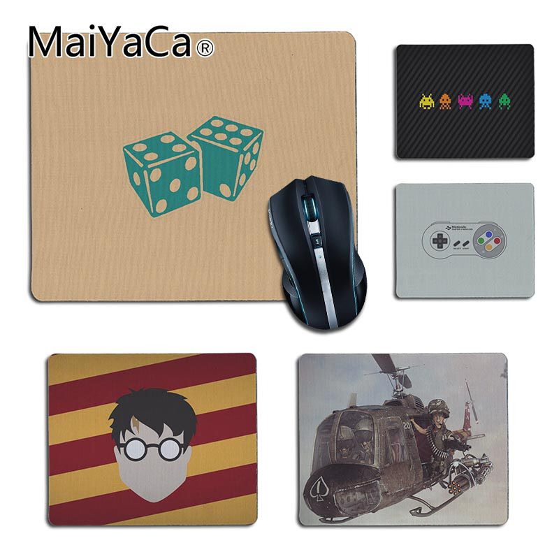 MaiYaCa Simple Design Dice game small Gaming MousePads Size for 25X29cm 18x22cm Gaming M ...