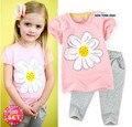 Комплект одежды детей устанавливает мальчиков костюмы-розовый белые одежды комплект цветок топы + цветочные брюки