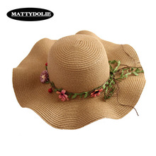 MATTYDOLIE 2019 New Flower Straw Hat Wave Wide-brimmed Summer Seaside Travel Rattan Wreath Beach Sun Ladies