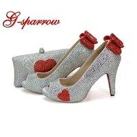 Новые Индивидуальные Серебро с сердцем Форма красными стразами свадебные туфли открытый носок Золушка туфли лодочки на выпускной с соотве