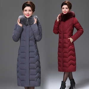 Image 3 - معطف شتوي باركاس نسائي كبير الحجم متوسط العمر معطف طويل من القطن السميك الدافئ ضد الرياح ياقة فرائية للنساء معطف بقلنسوة 5XL