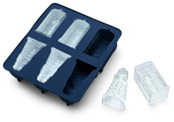 1PCS DOCTOR WHO ICE CUBE TRAY ICE MOLDS 3PCS DALEKS AND TARDIS COOKIES MOLD CHOCOLATE FONDANT