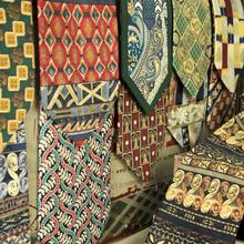 Mens Cravatte Cravatte Stampato 100% Seta Vintage Floral Carattere Astratto Geometrica Paisley Stampa Multicolor Eleganti Fatti A Mano