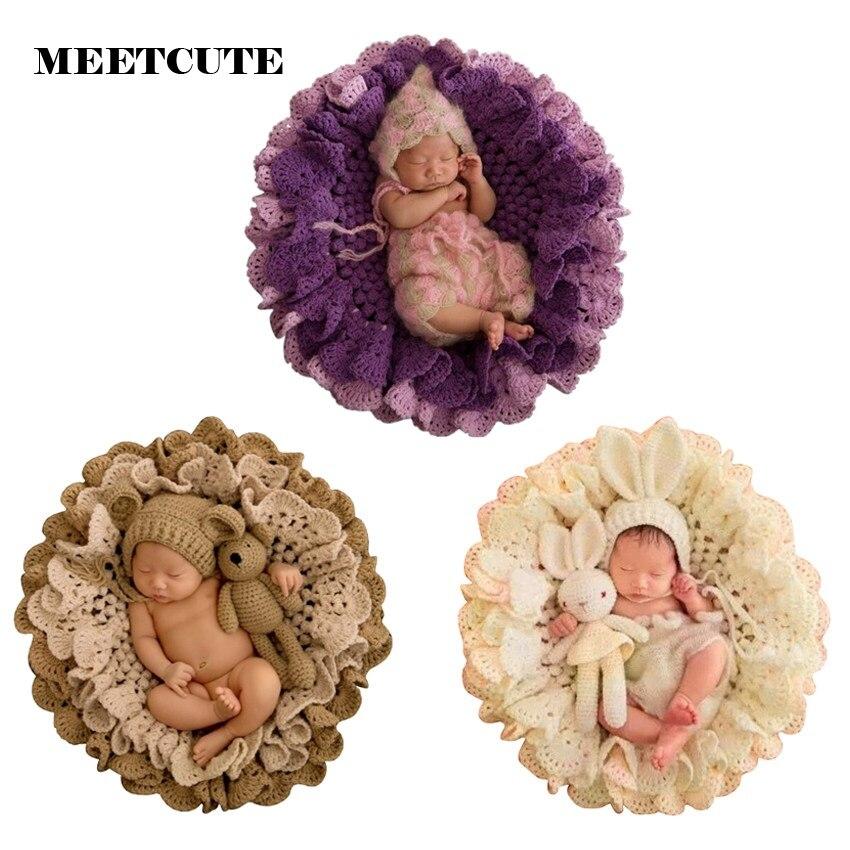 Meetcute новорожденных Подставки для фотографий цветочные крючком Одеяла + милый медведь шляпа + вязаный медведь Наборы для ухода за кожей ново...